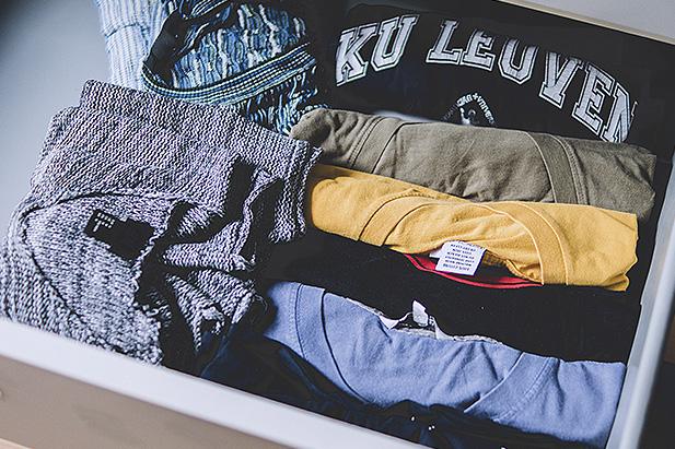 Cambio de estación: trucos para guardar la ropa de verano