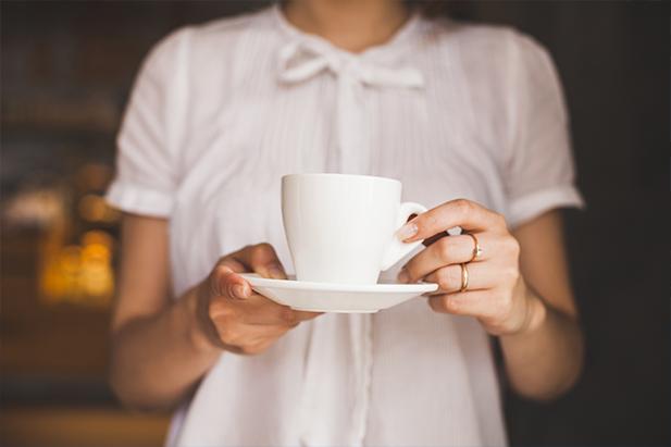 ¿Cómo quitar manchas de café?