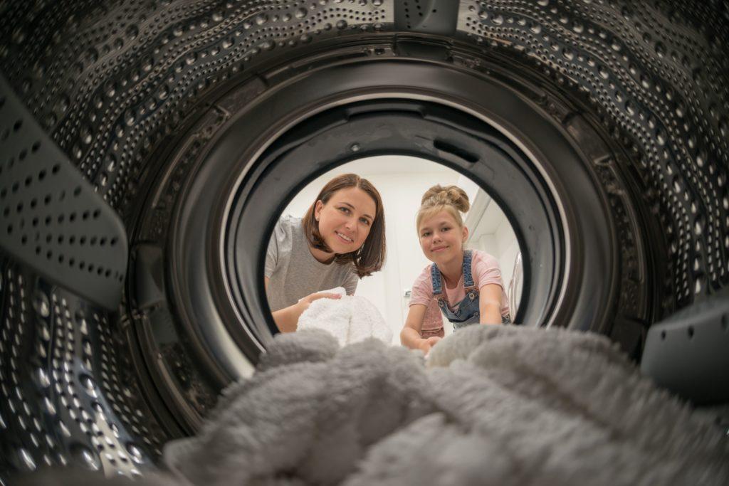 Ahorro, ahorro y más ahorro: la colada hace la maleta, lavar