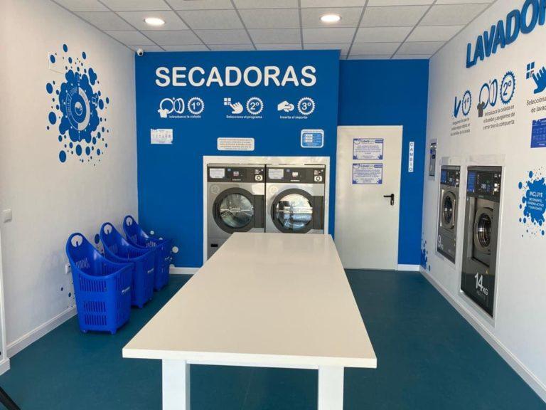Lavandería Autoservicio Guadalajara Mesa y Bancadas
