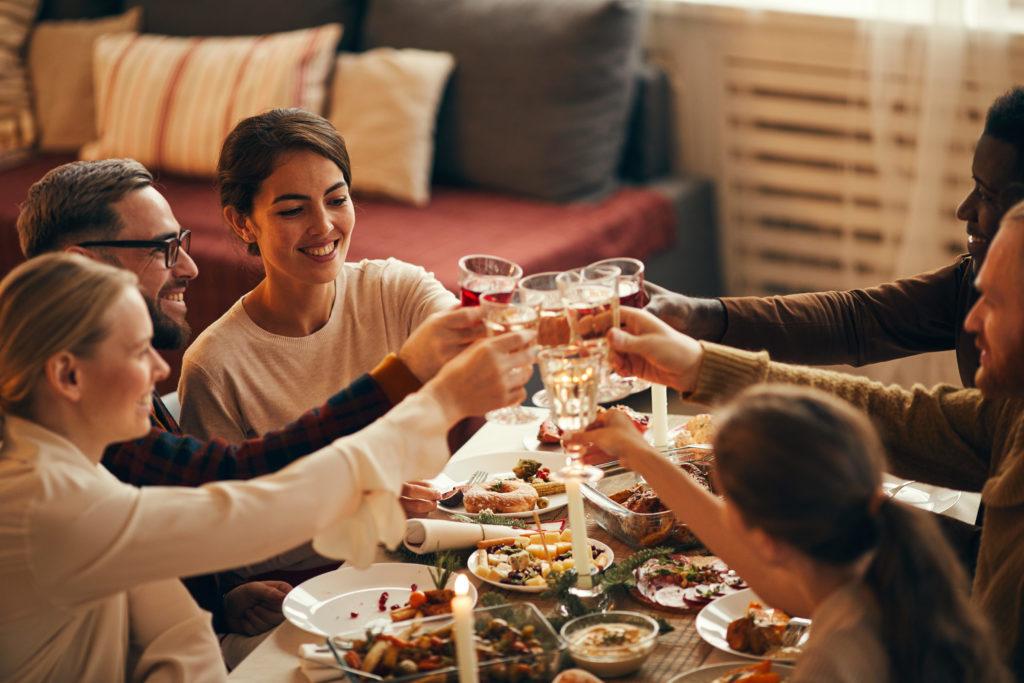 Cómo eliminar manchas de vinos y licores de tus manteles